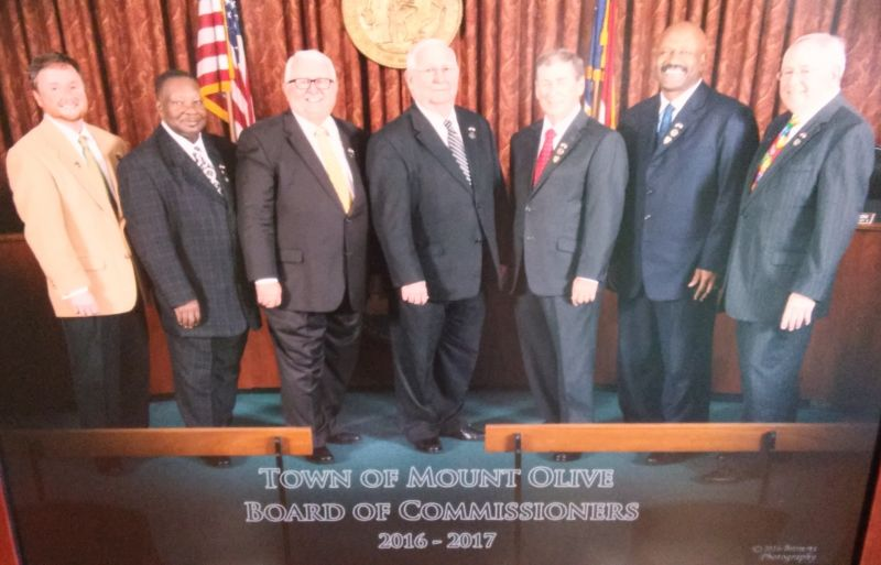 Board of Commissioner 2016 (L to R) Commissioner Kenneth Talton, Commissioner Harlie Carmichael, Mayor Pro Tem Joe Scott, Mayor I. Ray McDonald, Sr, Commissioner Tom Preston, Commissioner Jerry Harper & Town Manager Charles Brown